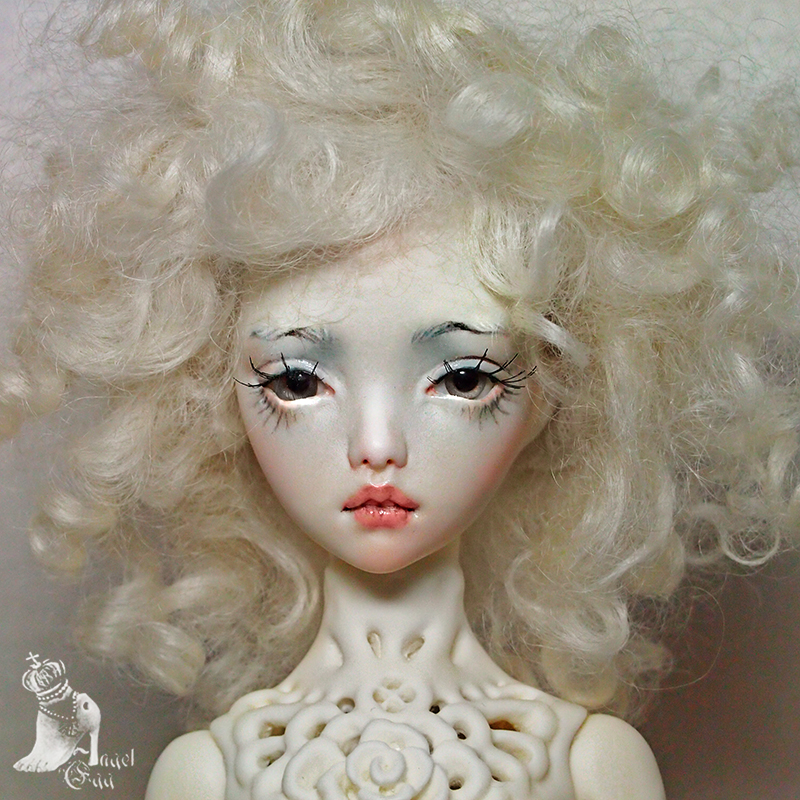 Natural faceup for Dentelle